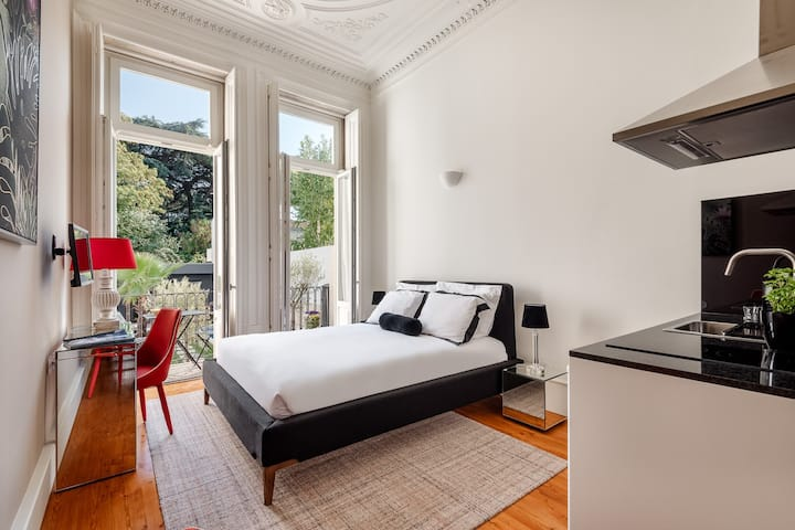 bourgeois room with terrace and kitchenette