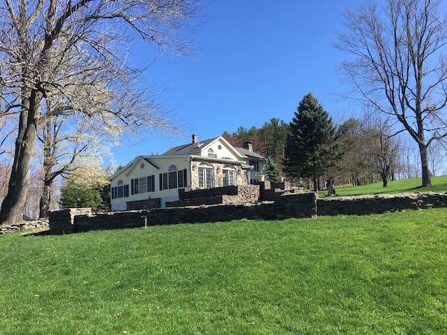 Country Living Estate Escape on Lake Ariel - Lake Township - Tatil evi
