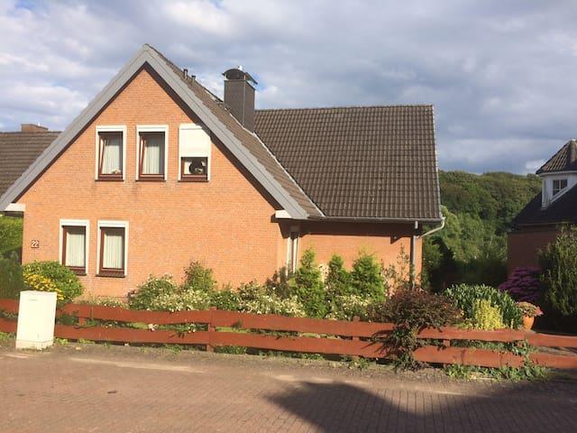 Ferienwohnung mit Blick ins Grüne - Bad Schwartau - Appartamento