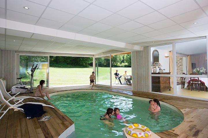 Gîte en creuse  piscine intérieure chauffée SPA