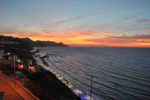 une vue panoramique sur la mer de la méditerranée