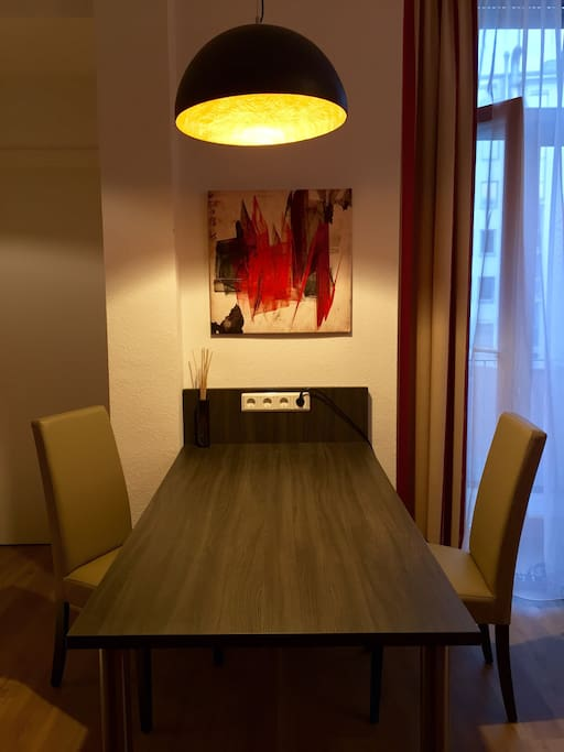 Desk / Dinning Table
