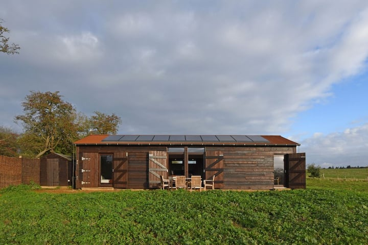 Architect-designed Suffolk Barn, spectacular view