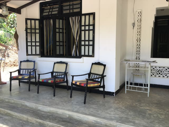 Charming room in a beautiful house - Talalla - Rumah