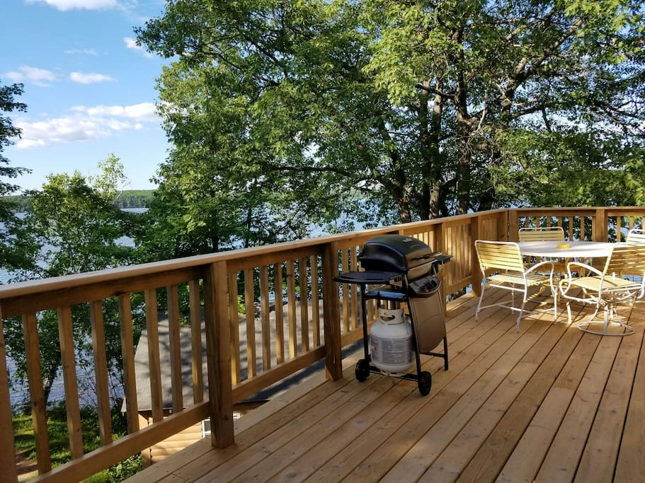 Super spacious 3bdrm great fishing families cabins for Fishing cabin rentals wisconsin