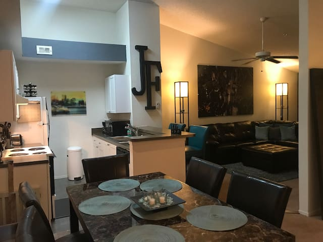 Comfortable Orlando Apartment