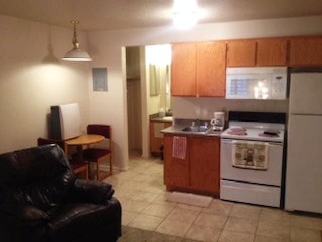 Cozy Mesquite Studio for 2, Full Size Kitchen/Bath - Mesquite - Apartament