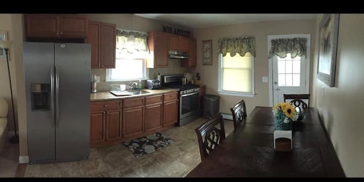 Renovated 2 BR apt minutes away from NYC Free Park
