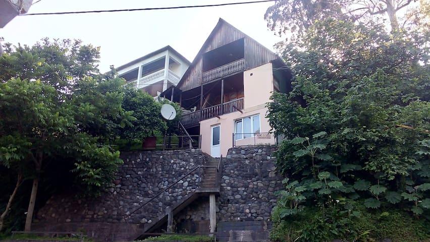 У Ирины - Kvariati - Huis