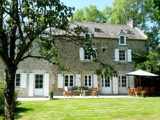 Grande maison de charme pour vacances au calme - Le Minihic-sur-Rance - Casa