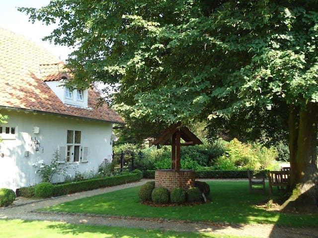 Rustieke B&B-kamer in Hove St. Paul - Lummen - Bed & Breakfast