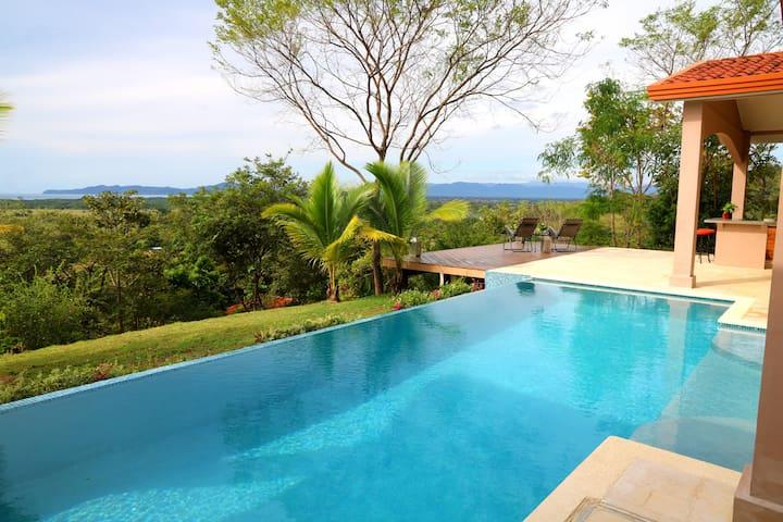 La Hacienda Ojo de Agua Ocean View Private Retreat
