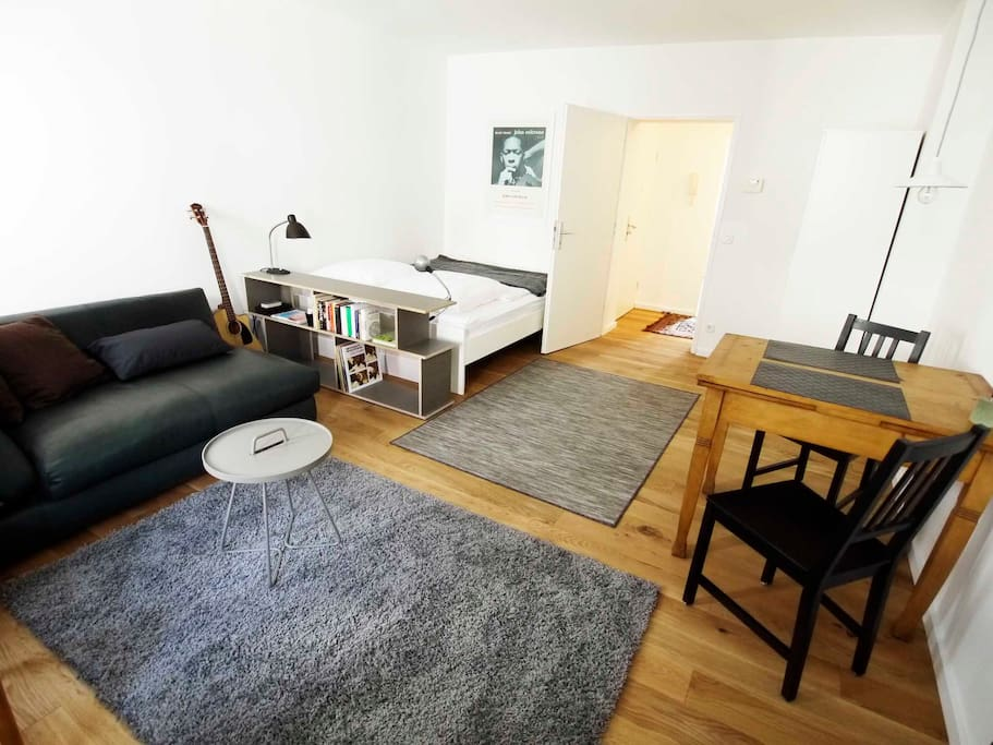 Hauptzimmer / Main Room