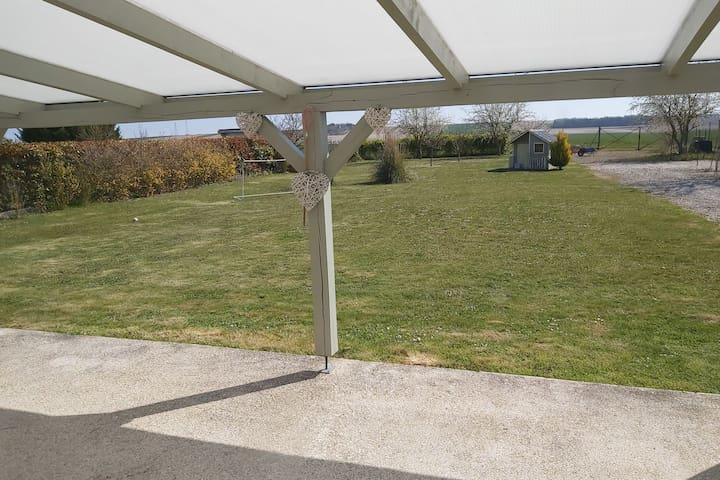 Pavillon au calme avec jardin et terrasse