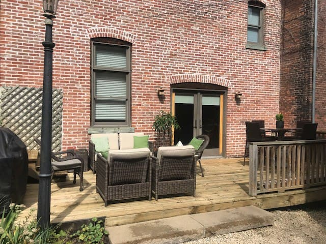 Fever River View Suites Downtown Galena