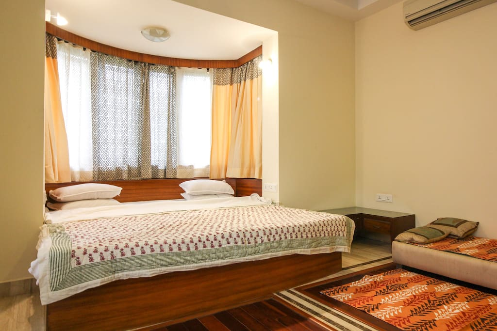 Comfortable rounded bed