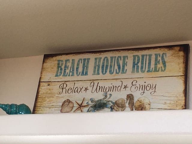 """""""Sea Life's Beauty"""" in this Oceanview Beachhouse!"""