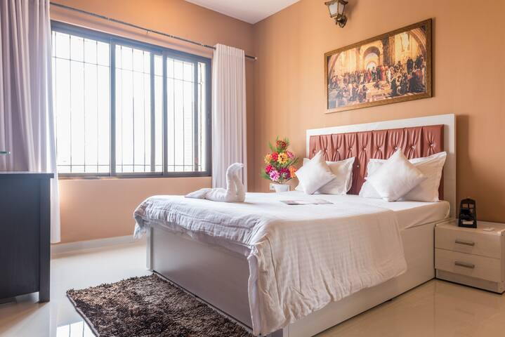 2Bd apartment nr exhibition centre - Bombay - Bed & Breakfast