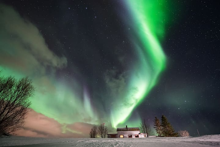 5 bedr. house, spectacular view, Northern Lights!!