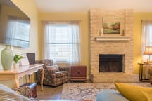 Bluebonnet House Bright & Charming Round Rock Home