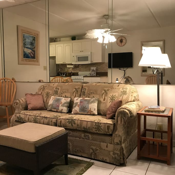 Small & Cozy Oceanside  suite