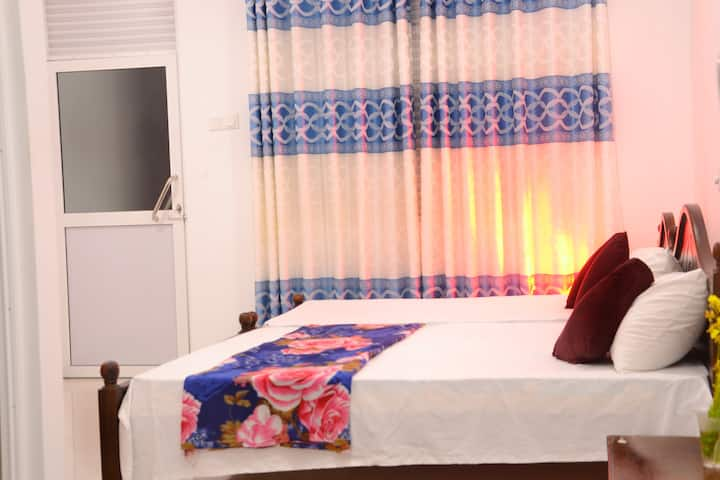 Sera Villa Room 3- AC room with triple beds, Galle