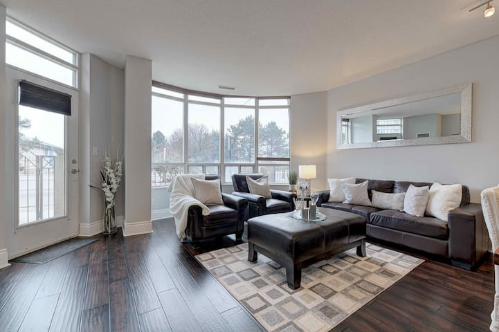 Executive Rental 1 Bedroom Suite in Mississauga