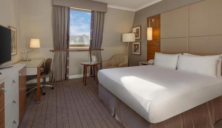 BUSINESS TRAVEL ONLY - Fascinating Room Guest Room Double Bed At Cambridge