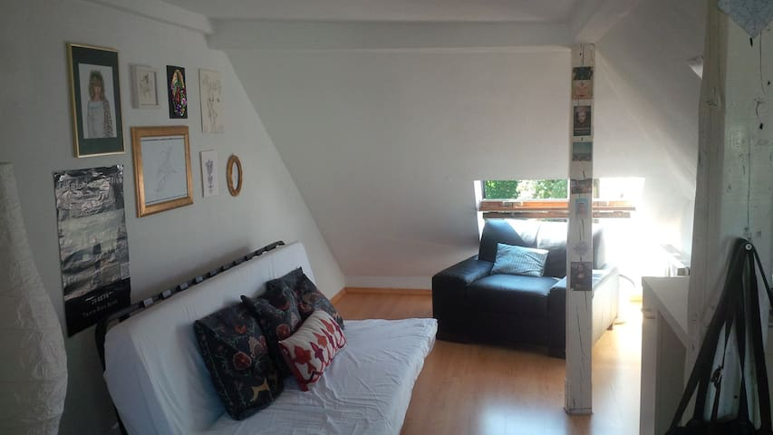 Cozy Apartment in Kessenich, Bonn