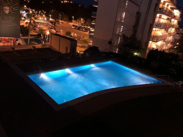 BEAUTIFUL APARTMENT, 2 BEDROOMS, POOL 150m BEACH