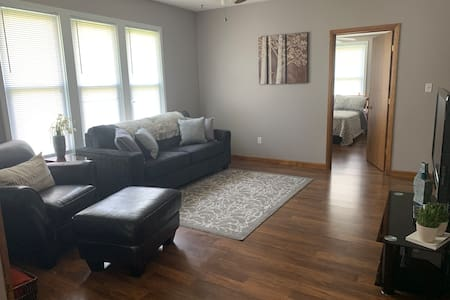 Newly Renovated 3bed home w/ 2 car garage.
