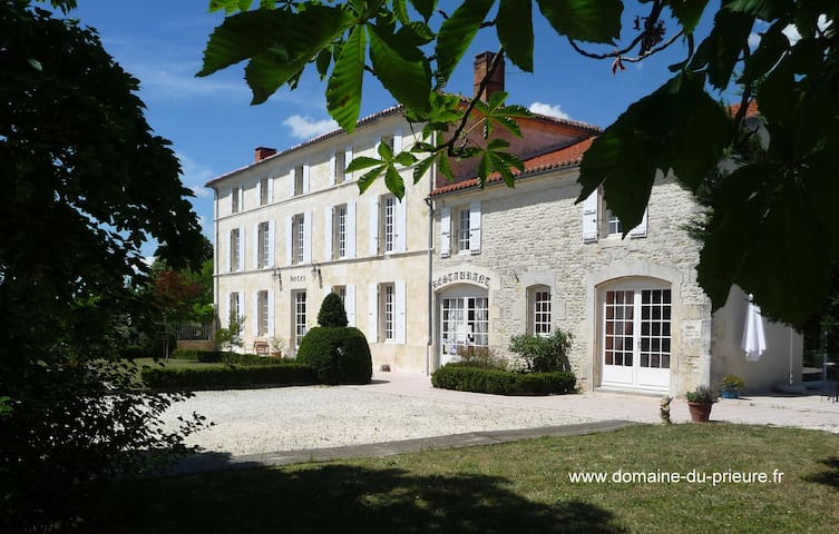 Domaine du prieuré - Tonnay-Boutonne - Otros