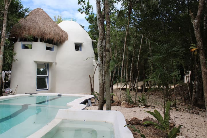 LUXURY DOME at VILLA DUENDES - Akumal - Allotjament sostenible a la natura