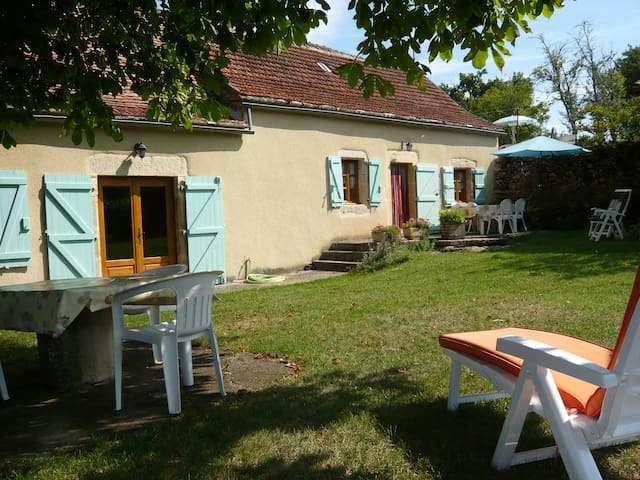 Chez Philémon Self Catering cottage - Puylagarde - House