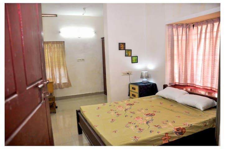 Spacious room for gents  in the heart of kochi