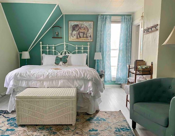 Carney Inn, Estella's Star-Private room upstairs