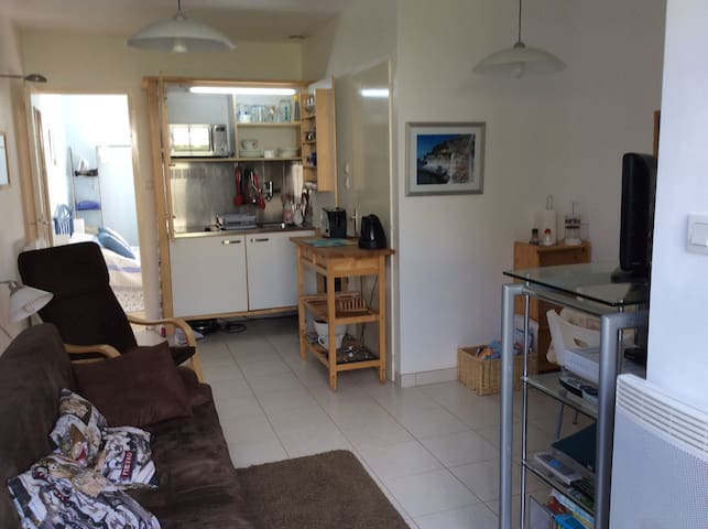 Garden apartment 10 mins beach/La Rochelle centre - Saint-Rogatien - Apartment