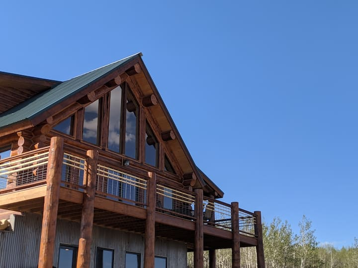 The Elk Overlook - Ski season is on!