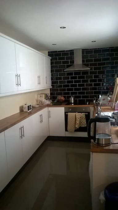 Modern Kitchen with oven and washing machine