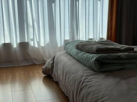 【西湖区】原木风一室  假日出差休闲 便利洁净落脚去处~