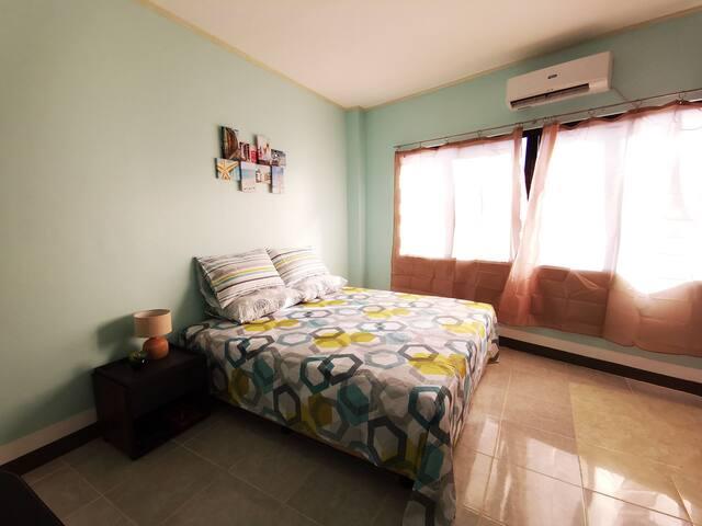 杜马盖地 天琴座酒店公寓2#           Lyra's place hotel room2#