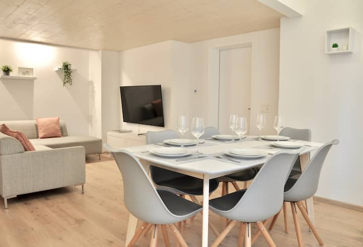 Brand New Modern Apartment in Interlaken Centre.