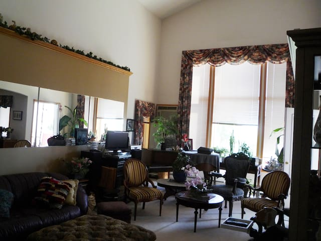 Condo Penthouse Private Room