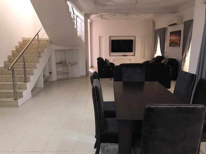 Elegant 5 Bedroom Duplex -Lekki Serviced apartment