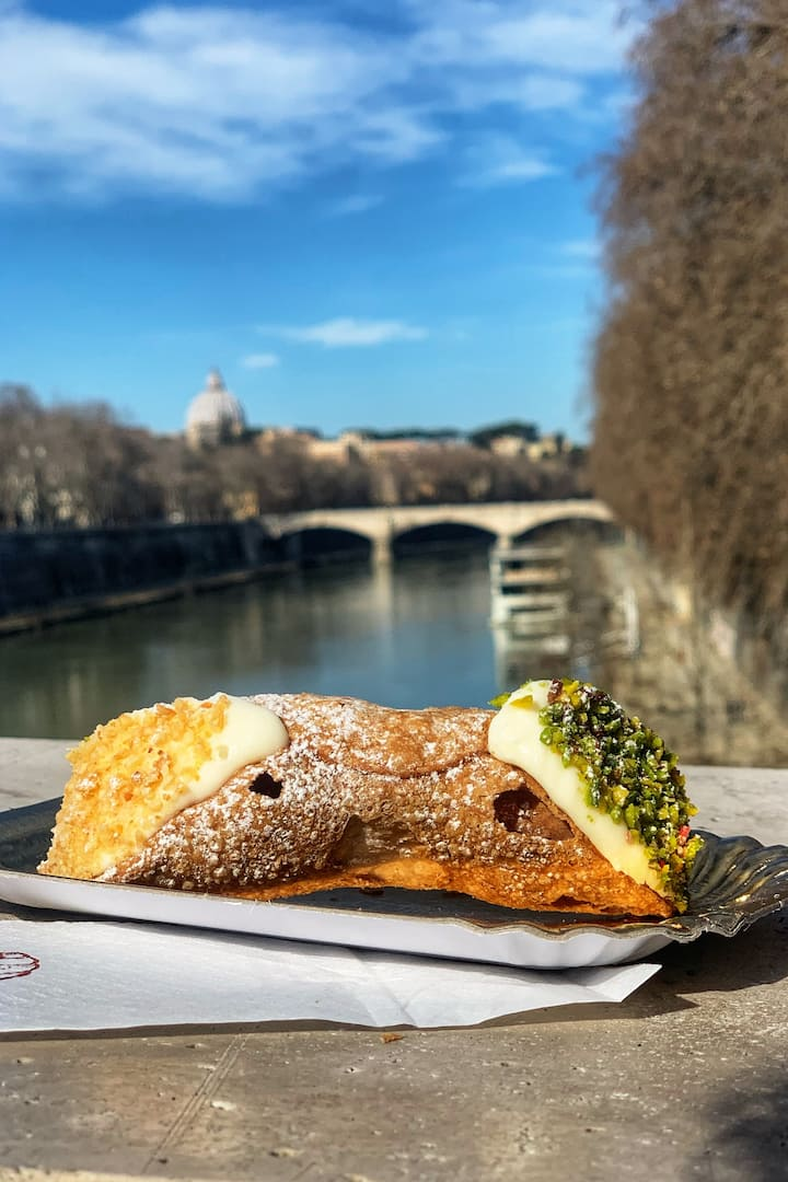 An Amazing Cannolo
