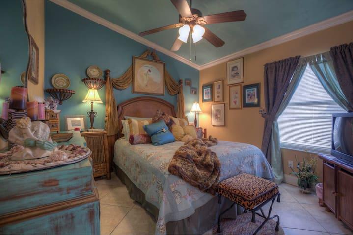 Turtle Beach Villa Guest Bedroom