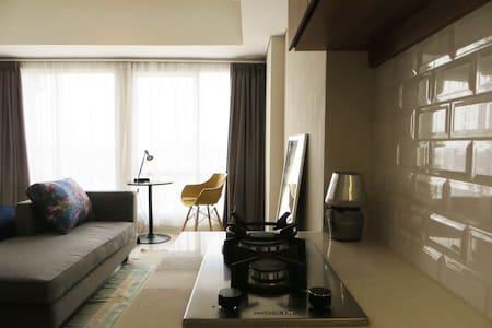 Spacious and budget friendly unit - Pesanggrahan - Apartament
