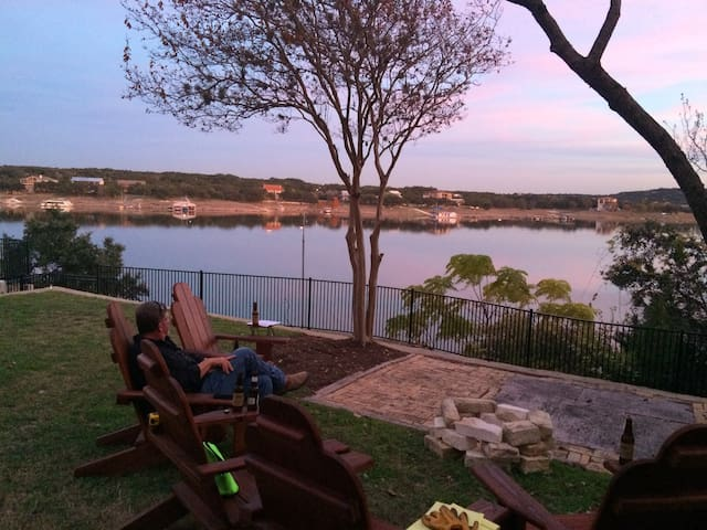 Driftwood Cabin at Lake Travis - Briarcliff