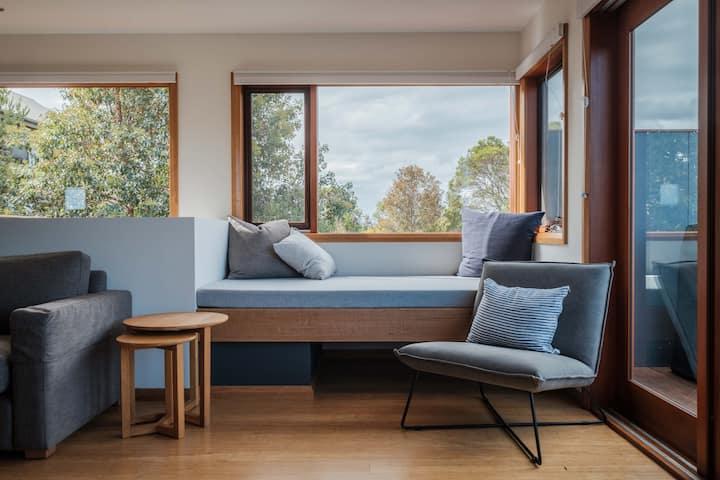 "Freycinet Studio ""Bay"" - modern & spacious"