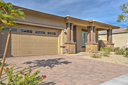 Gorgeous 4BR Litchfield House w/Mtn Views! - Litchfield Park